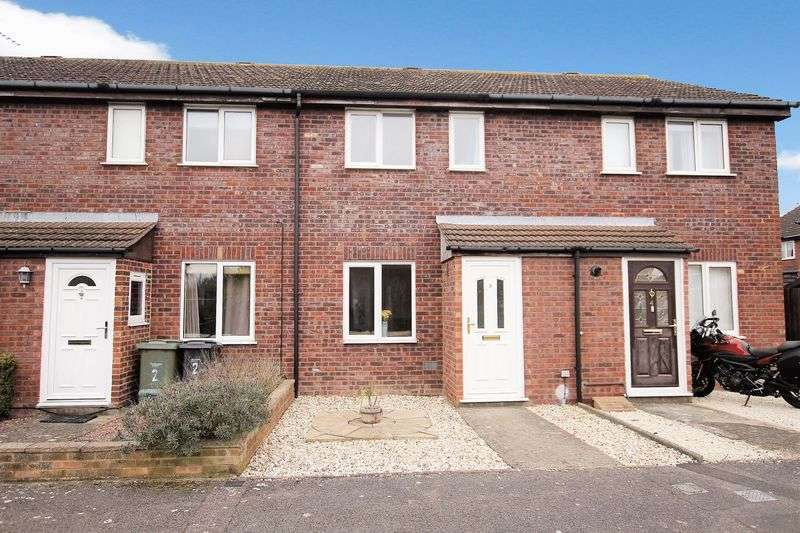 2 Bedrooms Terraced House for sale in Peregrine Way, Grove