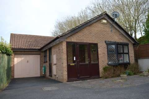 2 Bedrooms Detached Bungalow for sale in Savernake Road, Worle, Weston-super-Mare