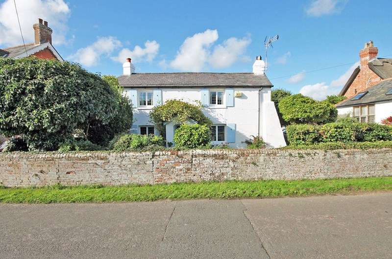 4 Bedrooms Cottage House for sale in Lyndhurst Road, Bransgore, Christchurch