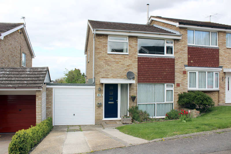 3 Bedrooms Semi Detached House for sale in Brampton Road, Royston