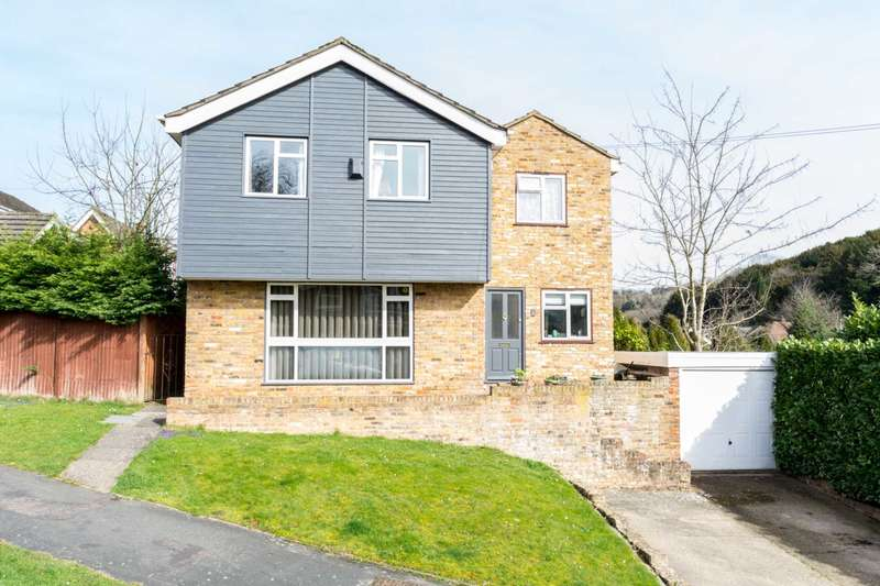 5 Bedrooms Detached House for sale in Marlow Bottom