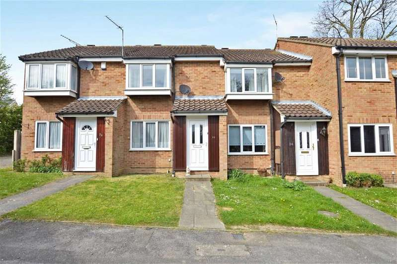 2 Bedrooms Property for sale in Hampden Close, North Weald
