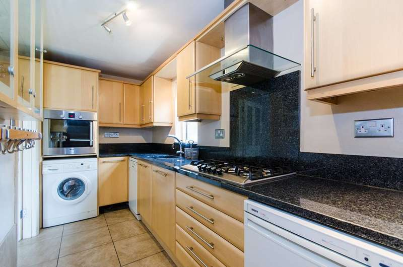 1 Bedroom Flat for sale in Brickett Close, Ruislip, HA4
