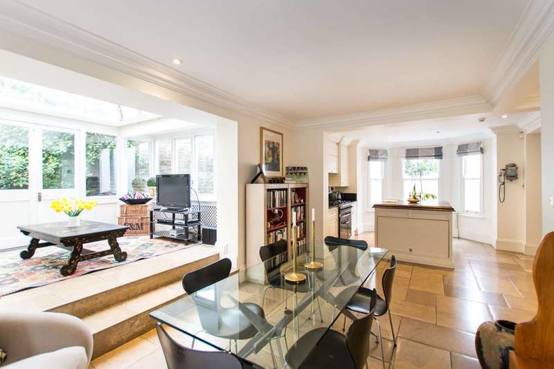 4 Bedrooms House for sale in Gilston Road, Chelsea, SW10