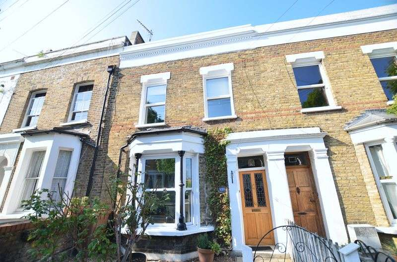 3 Bedrooms Terraced House for sale in Rushmore Road, Clapton E5
