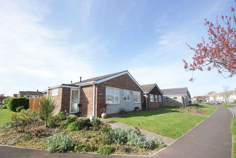 2 Bedrooms Detached Bungalow for sale in Brookers Lane, Gosport