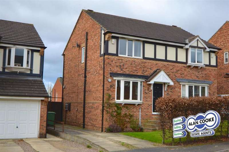 3 Bedrooms Semi Detached House for sale in Woodside Avenue, Meanwood, Leeds