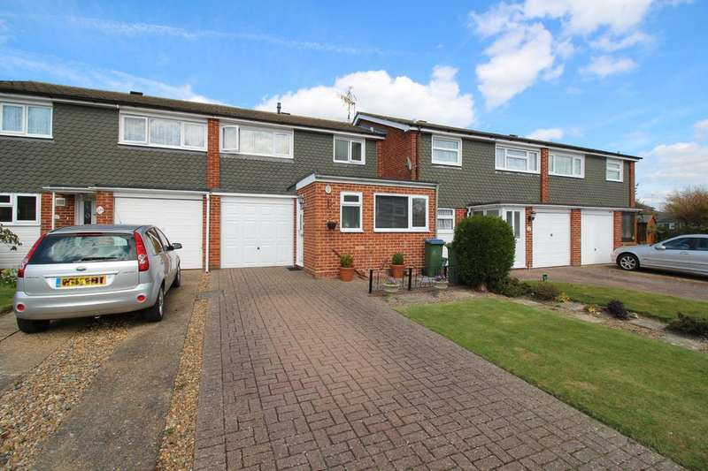 3 Bedrooms Terraced House for sale in Kennedy Road, Horsham