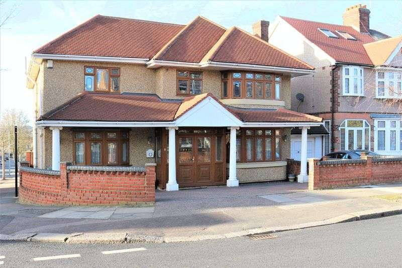 6 Bedrooms House for sale in Herent Drive, Ilford