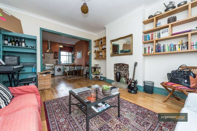 2 Bedrooms Flat for sale in Wrentham Avenue, London, NW10 3HG