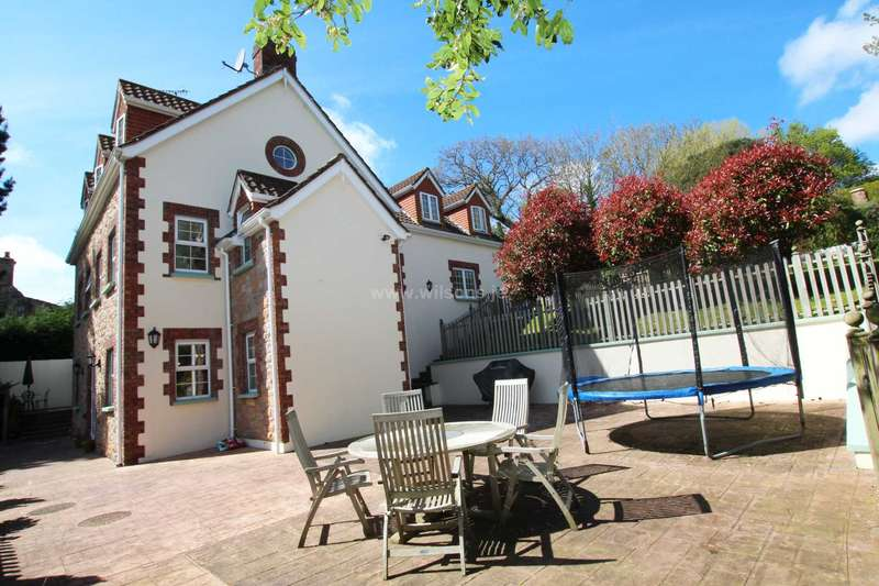 5 Bedrooms Detached House for sale in St Saviour