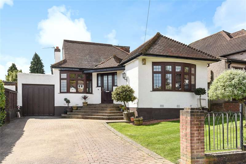 3 Bedrooms Detached Bungalow for sale in Hillside Gardens, Northwood, Middlesex, HA6
