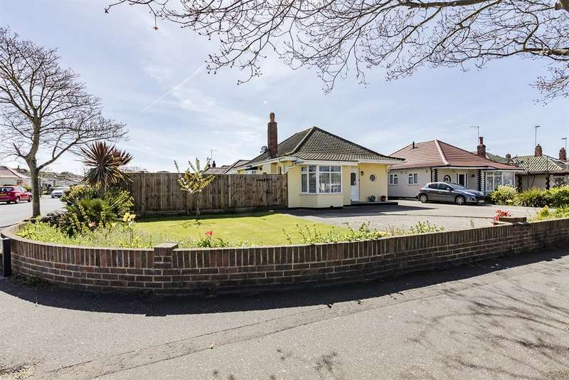 3 Bedrooms Bungalow for sale in Goring Way, Worthing, West Sussex, BN12 5BU