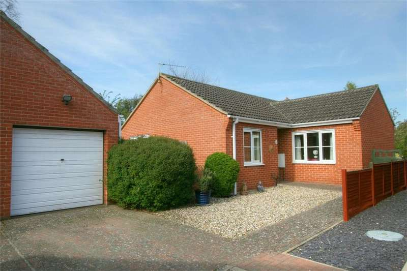 3 Bedrooms Detached Bungalow for sale in Eden Close, Attleborough, ATTLEBOROUGH, Norfolk