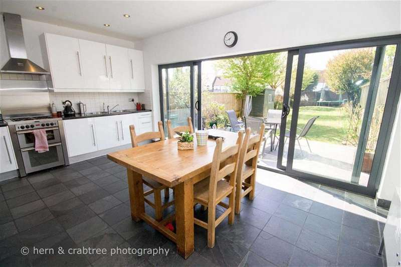 4 Bedrooms Property for sale in Bishops Walk, Llandaff, Cardiff