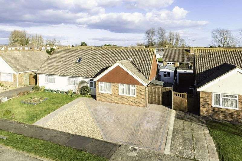 2 Bedrooms Semi Detached Bungalow for sale in Littlehampton