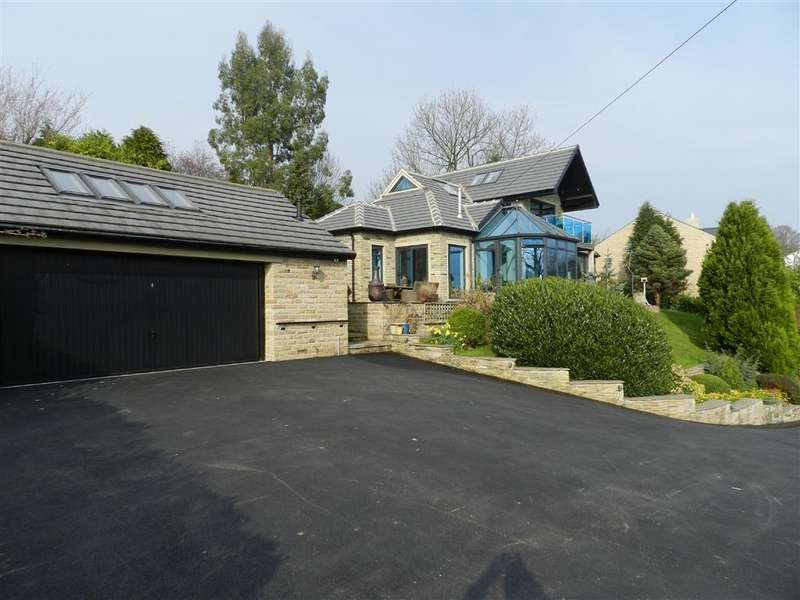 3 Bedrooms Detached Bungalow for sale in Laneside, Kirkheaton, Huddersfield, HD5