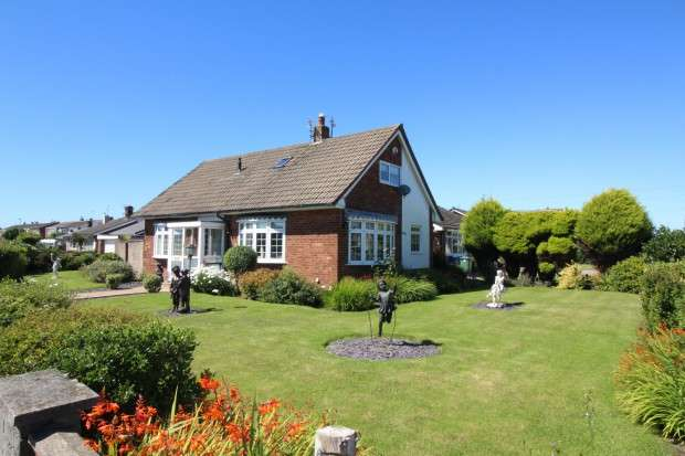 4 Bedrooms Bungalow for sale in Toronto Avenue, Fleetwood, FY7