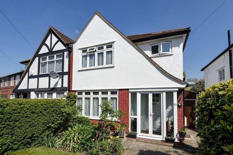 3 Bedrooms Semi Detached House for sale in Waterbank Road, Catford, SE6