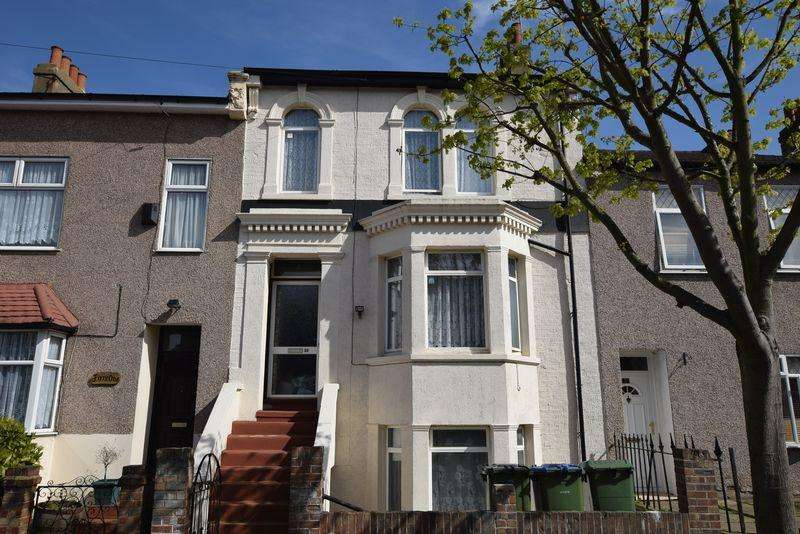 4 Bedrooms Terraced House for sale in Whitworth Road, Plumstead, SE18 3QG
