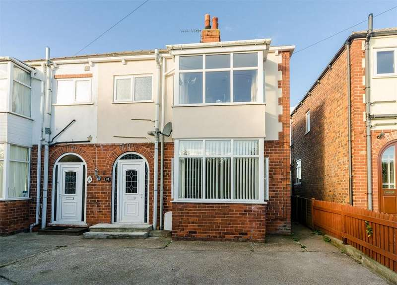 3 Bedrooms Semi Detached House for sale in Lascelles Avenue, WITHERNSEA, East Riding of Yorkshire