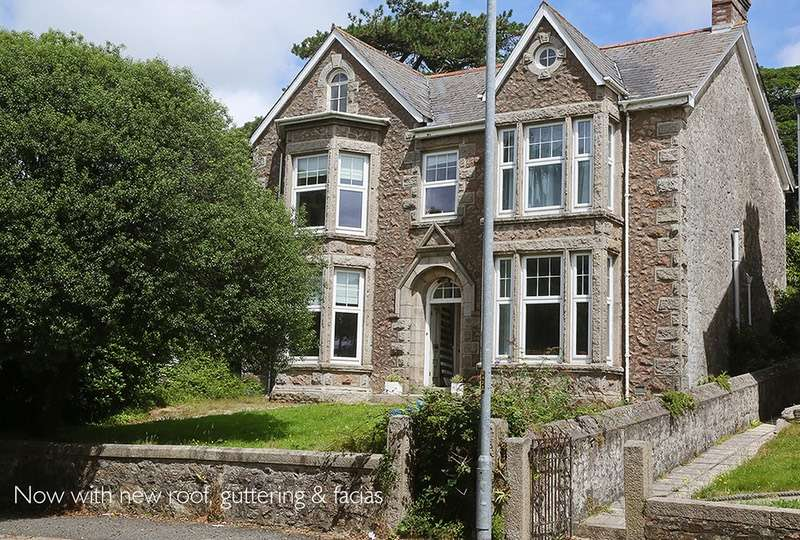 5 Bedrooms Detached House for sale in Clinton road, Redruth, Cornwall, TR15