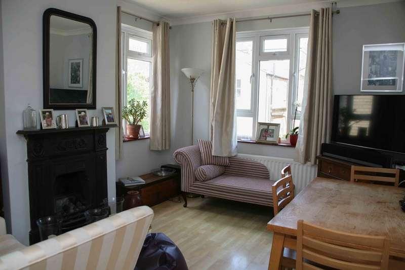 3 Bedrooms Maisonette Flat for sale in Kenley Road, Twickenham, Middlesex, TW1