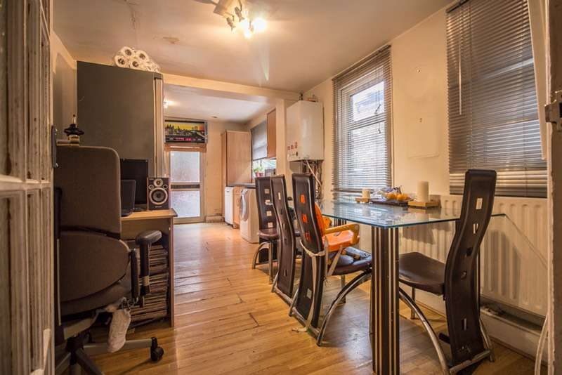 3 Bedrooms Terraced House for sale in Leverson Street, Wandsworth, London, SW16