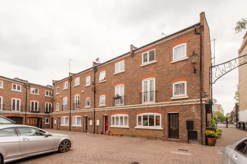3 Bedrooms Town House for sale in Maple Mews, London, London, NW6