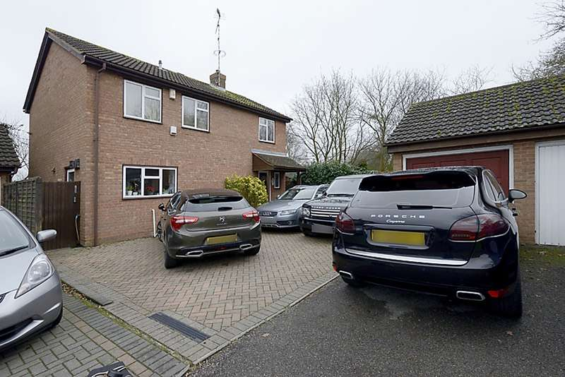 4 Bedrooms Detached House for sale in Stainby close, West drayton, Middlesex, UB7