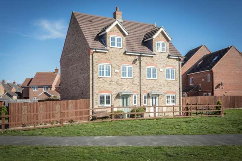 4 Bedrooms Semi Detached House for sale in Aldrin Close, Spalding, Lincolnshire, PE11