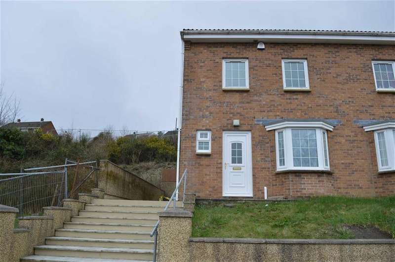 3 Bedrooms Semi Detached House for sale in Hollett Road, Swansea, SA5