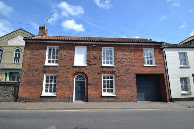 4 Bedrooms Town House for sale in Holt