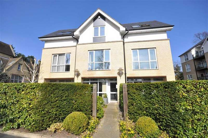 4 Bedrooms Town House for sale in Dundreggan Gardens, Didsbury, Manchester, M20