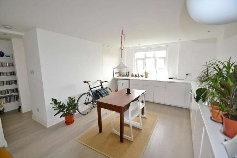 1 Bedroom Flat for sale in Camden Road, Hillmarton Conservation Area, London, N7
