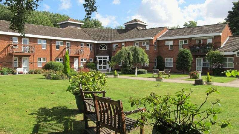 2 Bedrooms Flat for sale in Lowfield Road, Anlaby