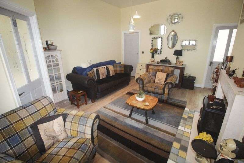 4 Bedrooms House for sale in Fixby View Yard, Off Clough Lane, Rastrick
