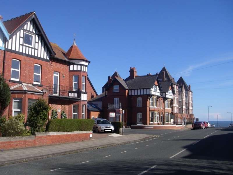 3 Bedrooms Flat for sale in Argyle Road, Whitby, North Yorkshire, YO21