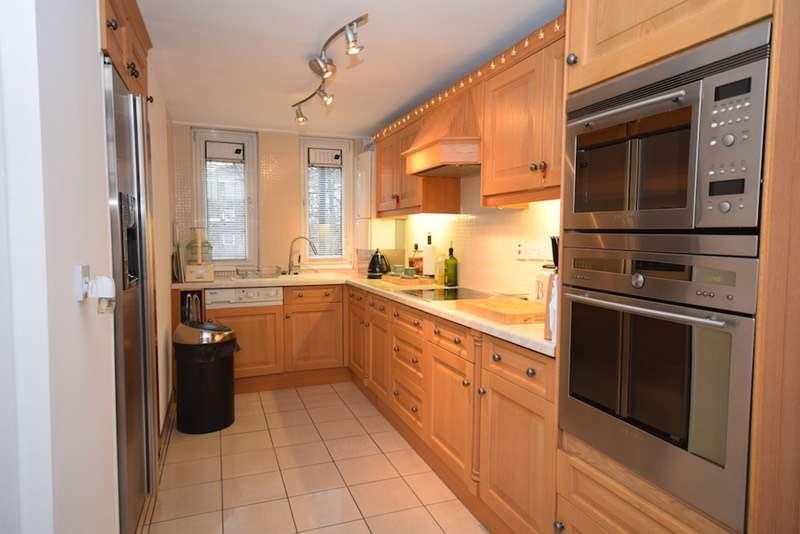 3 Bedrooms Maisonette Flat for sale in Copenhagen Street, London, London, N1