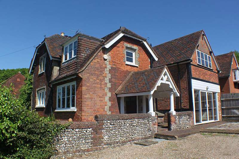 5 Bedrooms Property for sale in Pastures Farm, Penn, Buckinghamshire HP10 8HE