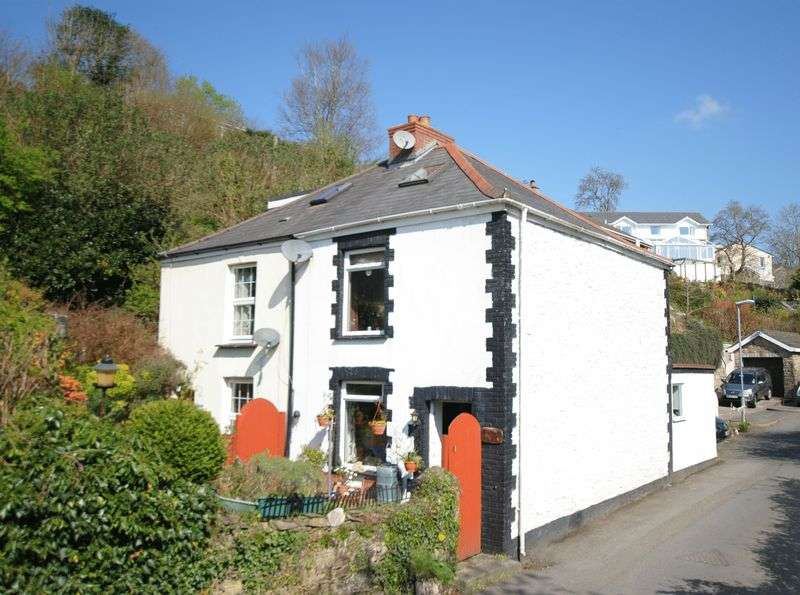 2 Bedrooms Semi Detached House for sale in Spire Hill, Saltash