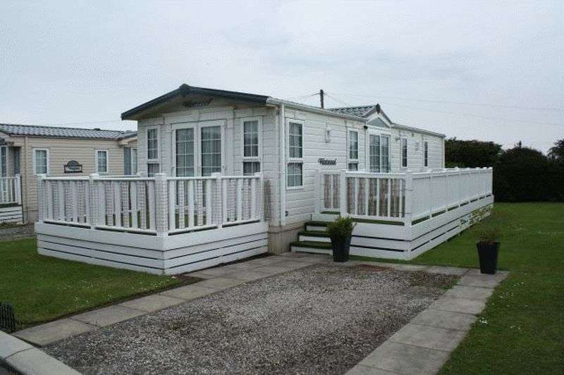 2 Bedrooms Property for sale in 5 Willerby Way, Smithy Leisure Park, Cabus Nook Lane, Cabus, Preston, Lancashire, PR3 1AA