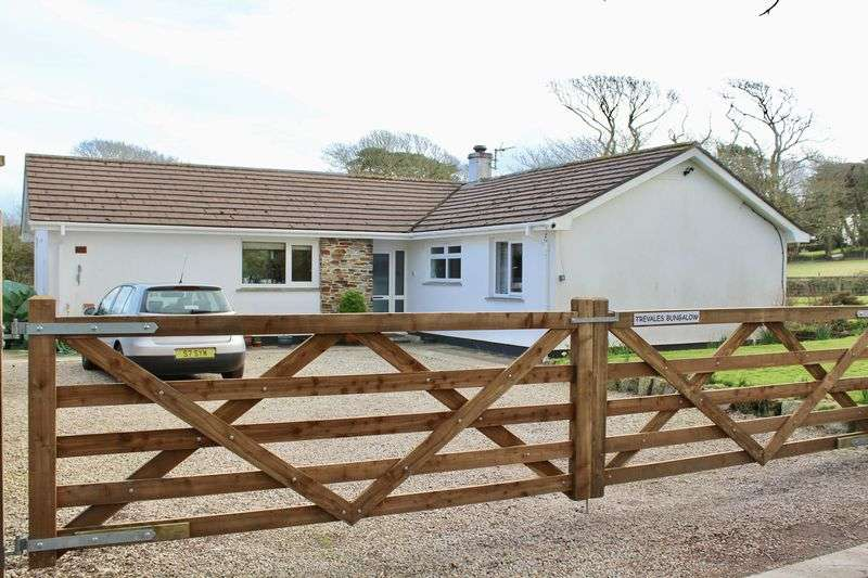 3 Bedrooms Detached Bungalow for sale in Trevales, Stithians