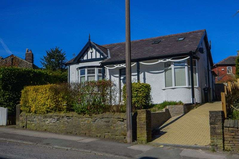 4 Bedrooms Detached Bungalow for sale in Chorley Old Road, Bolton