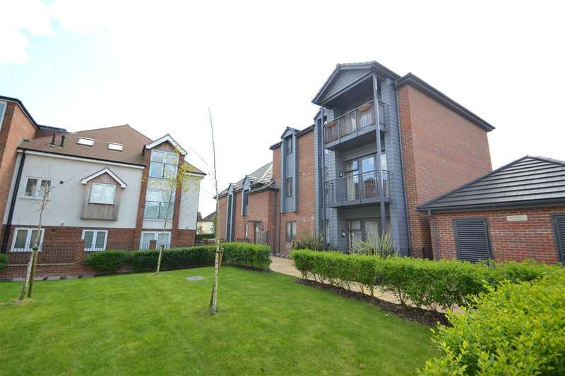 2 Bedrooms Apartment Flat for sale in Manor Road, Chigwell