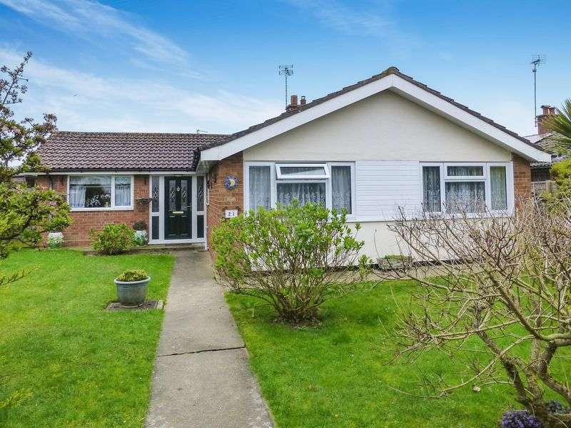 3 Bedrooms Detached Bungalow for sale in Ormesby St Margaret