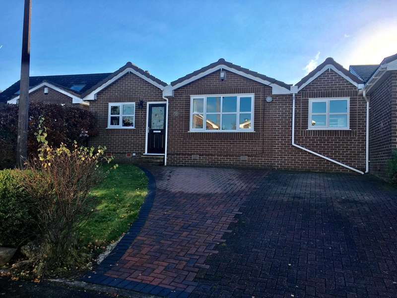 3 Bedrooms Bungalow for sale in Pendennis Avenue, Lostock