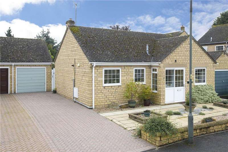 2 Bedrooms Detached Bungalow for sale in Phillips Road, Broadway, Worcestershire, WR12
