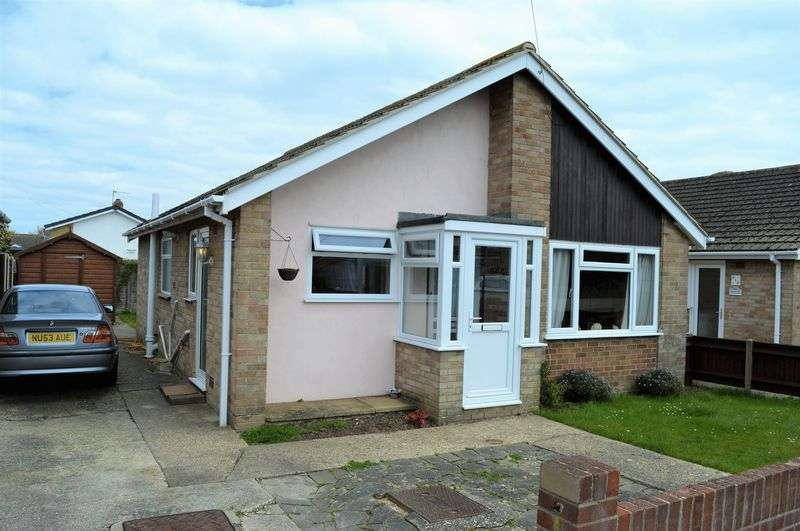 2 Bedrooms Detached Bungalow for sale in Willow Wood Road, Hayling Island