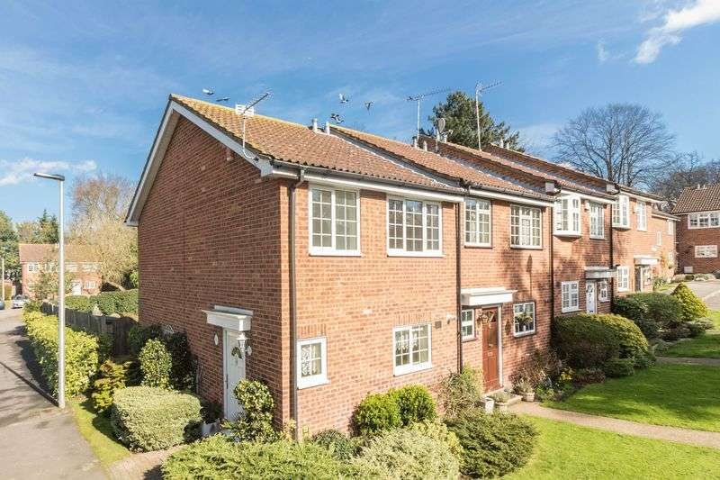 3 Bedrooms House for sale in Jacklin Green, Woodford Green